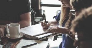 Personer som studerar och utbildar sig inom arbetsmiljö